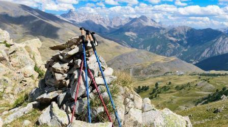 HOW TO USE TREKKING POLE TIPS