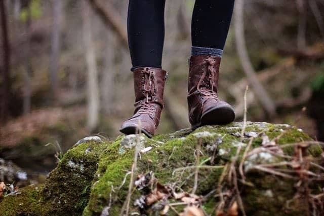 How to clean smelly hiking boots