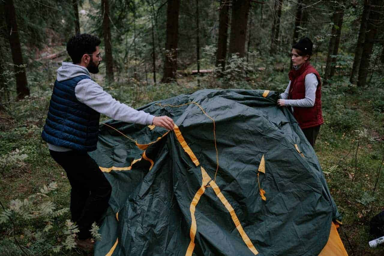 How to Safely Break Down a Tent